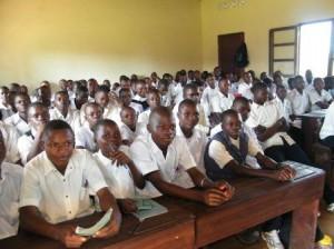 Studenti nella scuola professionale Pedrollo di Wamba